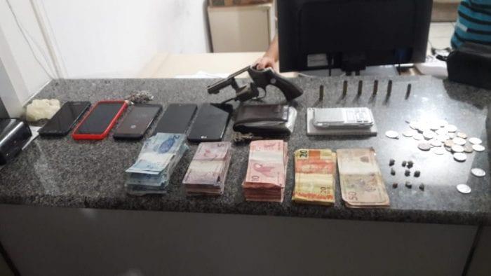 Material apreendido em operação da Polícia Militar - foto da PMSC