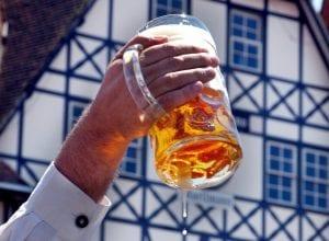 Vencedoras da licitação participarão das próximas duas edições da Oktoberfest - foto da Prefeitura de Blumenau
