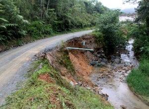 Mais de 120 famílias residentes no Morro do Arthur estão sendo beneficiadas - foto de Marcelo Martins
