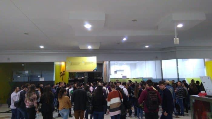 Protesto de alunos na Uniasselvi de Indaial