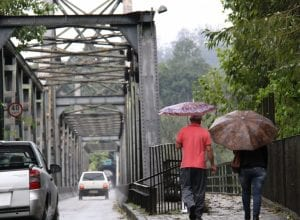 Quinta-feira com possibilidade de chuviscos isolados em Blumenau - foto de Marcelo Martins