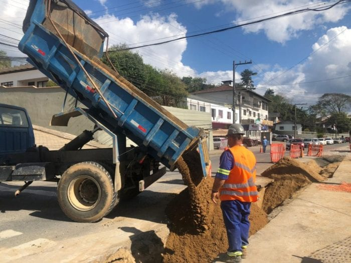 Obras para o novo Reservatório Fortaleza prosseguem na Francisco Vahldieck - foto do Samae