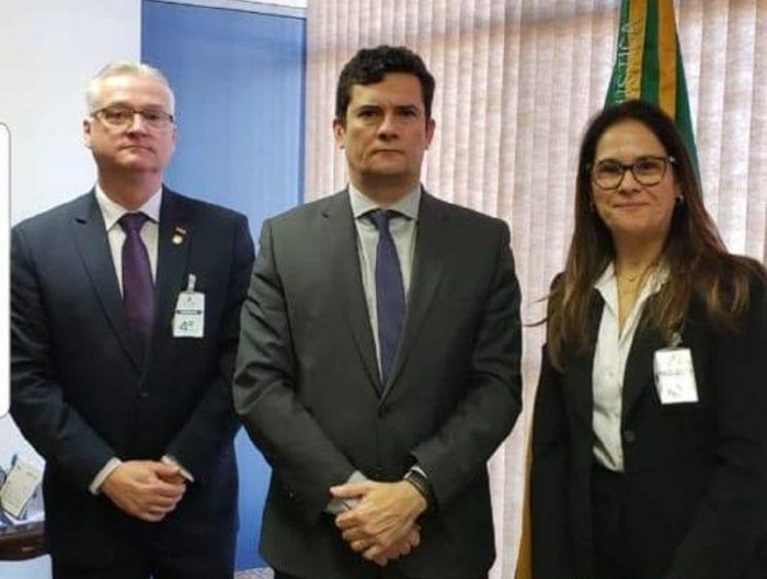 Paulo Koerich, delegado geral de Santa Catarina e o ministro da Justiça e Segurança Pública, Sergio Moro, durante a operação