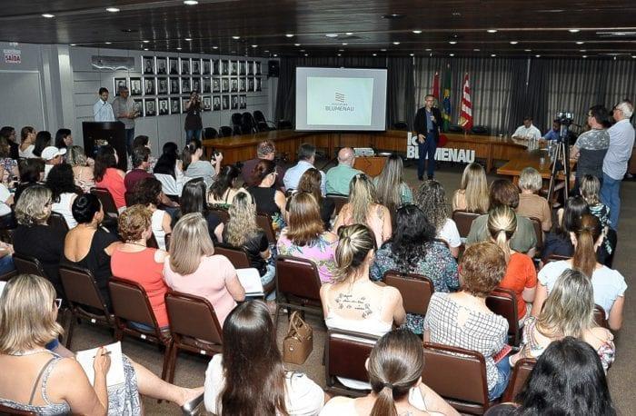 Coletiva de imprensa com novidades para a educação - foto de Eraldo Schnaider