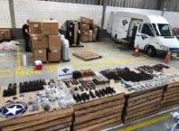 Receita Federal apreende 24 fuzis AR-15 e munições no Porto de Navegantes - foto da RF