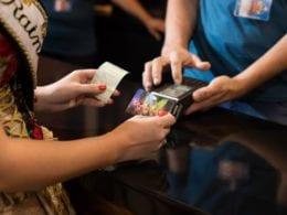 Saiba como utilizar o Oktober Karte, cartão magnético da festa - foto da Vila Germânica