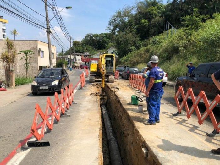 Trabalhos se concentram na Rua dos Caçadores e o trânsito no local foi modificado.