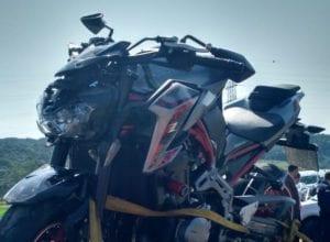 Motocicleta conduzida pela vítima do acidente na BR-470 - foto do CBMSC