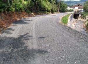 Trabalhos no Morro do Arthur e em Ponte na Rua Ruy Barbosa foram executados neste segundo semestre.