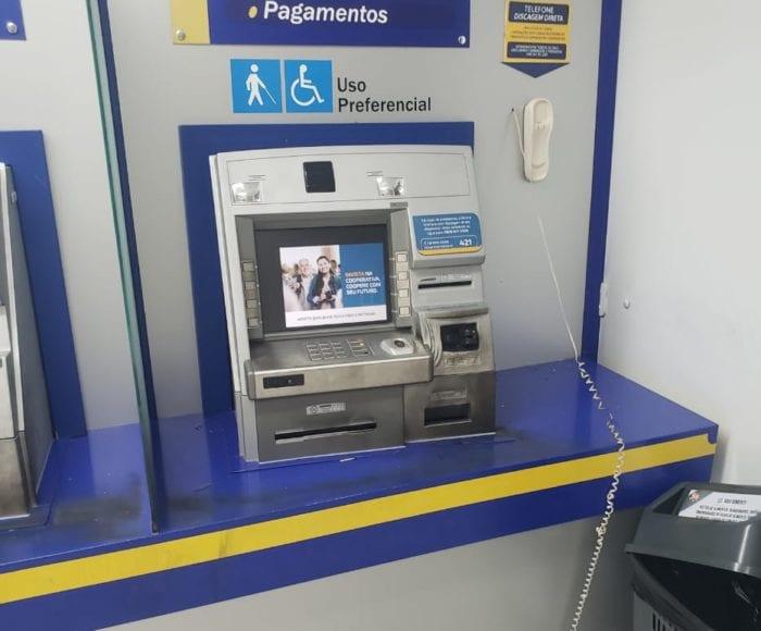 Caixa eletrônico foi somente danificado em tentativa de furto - foto da Polícia Militar