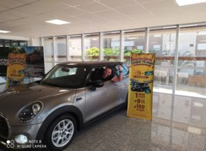 Roberto Antonio, de Jaraguá do Sul, ganhou um Mini Cooper - foto da assessoria
