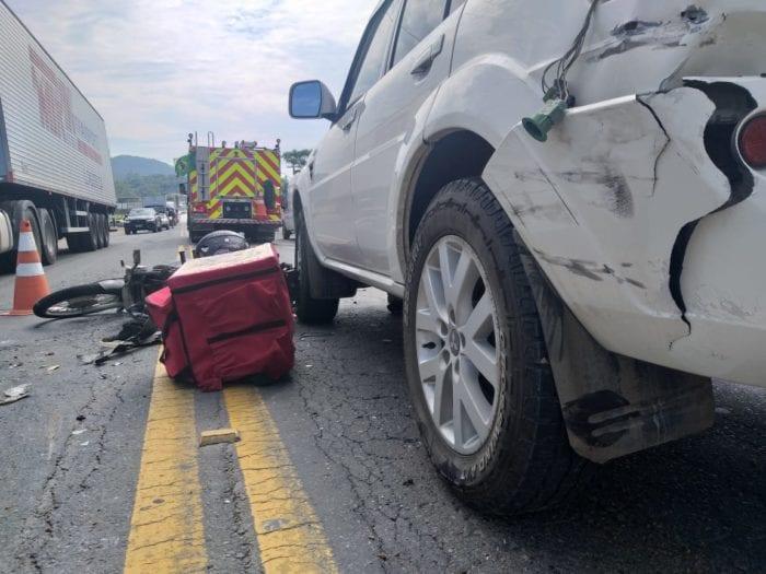 Motociclista fica gravemente ferido em acidente na BR-470 - foto do Corpo de Bombeiros
