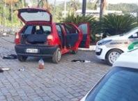 Veículo onde estavam os suspeitos pelo homicídio - foto da Polícia Militar