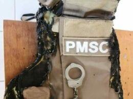Colete do policial queimado durante ocorrência em Rio Negrinho - foto da PMSC