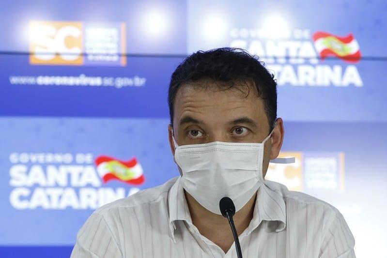 Helton Zeferino deixa a secretaria de Saúde - foto de Mauricio Vieira