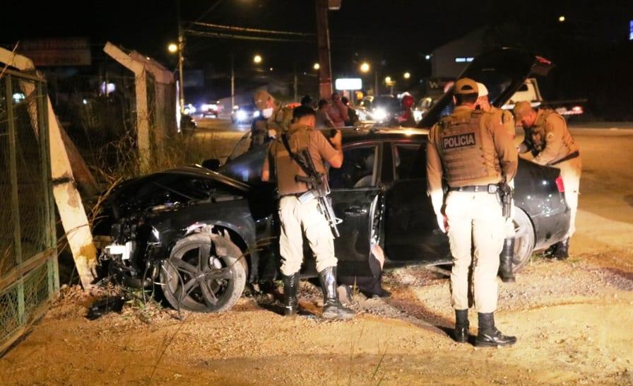 Policiais conseguiram impedir a fuga do motorista drogado - foto de Jefferson Santos | Messoregional