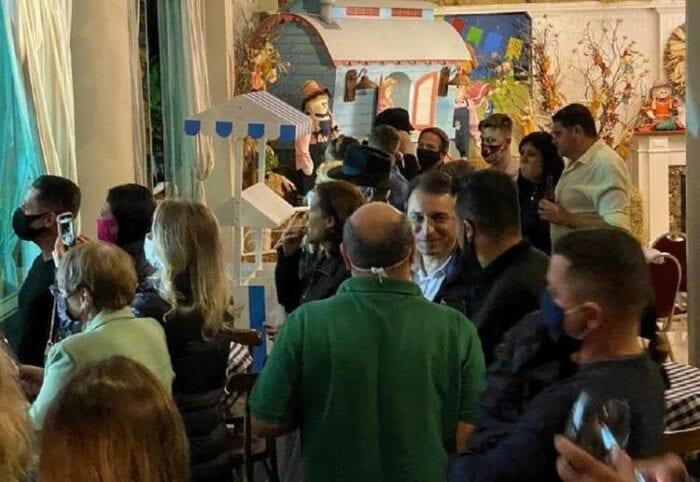 Governador Carlos Moisés em suposta festa junina e sem máscara - imagem que circula nas redes sociais