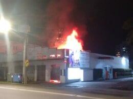 Incêndio na Rua 7 de Setembro - foto de Cristiano Silva da Menina FM