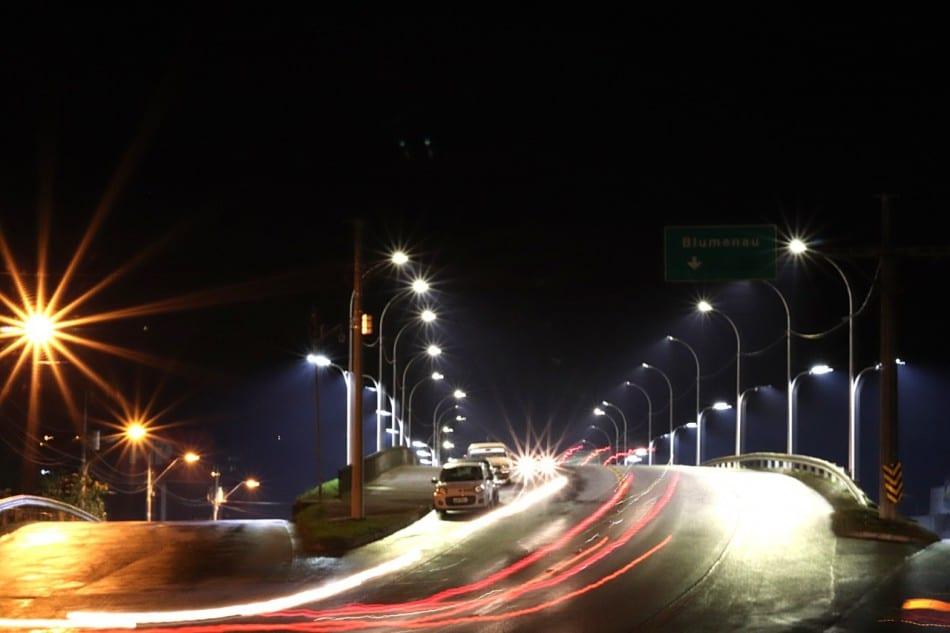 Prefeitura conclui recuperação da iluminação pública no Trevo da Mafisa - foto de Marcelo Martins