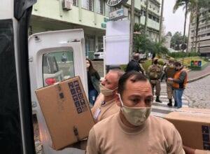 Respiradores sendo descarregados no Hospital Santa Isabel - foto de Marcelo Martins