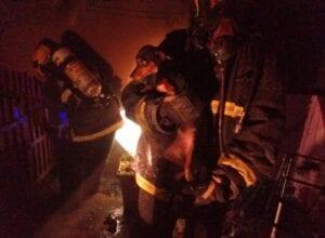 Bombeiros controlam incêndio em residência na Velha Central - foto do Corpo de Bombeiros