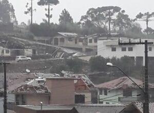 Água Doce teve vários imóveis danificados durante temporal - foto das redes sociais