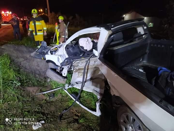 Veículo Volkswagen Saveiro foi destruída no acidente - foto do Corpo de Bombeiros