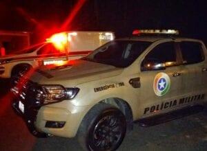 Viatura da Polícia Militar durante ocorrência - foto da PMSC