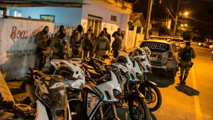 Operação Blumenau Segura resulta em oito prisão e apreensão de drogas - foto da Polícia Militar