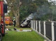 Pessoa morre queimada em colisão de carro em árvore em Timbó - foto de Lara Ferreira, Rádio Cultura de Timbó