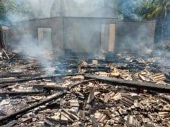 Incêndio destrói residência no bairro Vila Itoupava - foto do Corpo de Bombeiros