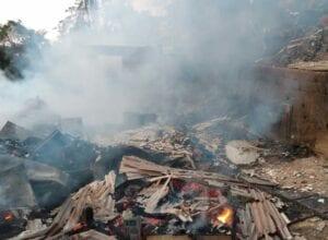 Residência é destruída por incêndio no bairro Velha Grande - foto do Corpo de Bombeiros