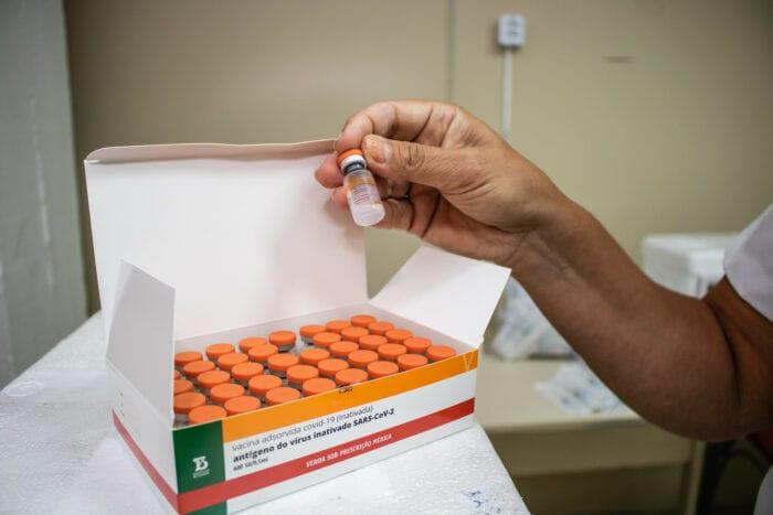 Doses da vacina Coronavac - foto Michel Corvello