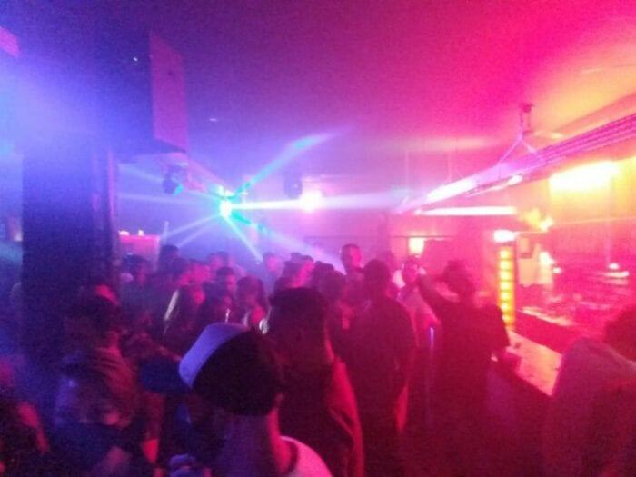 Forças de segurança interditam sete bares e tabacarias em Blumenau