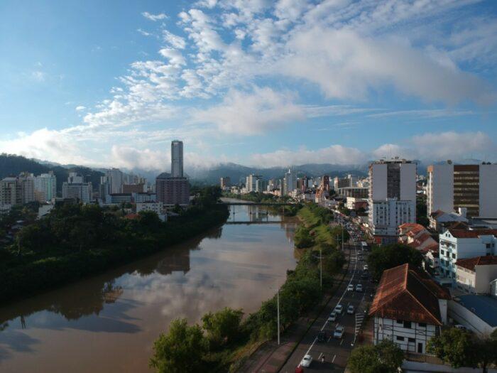 Avenida Beira-Rio em Blumenau - foto de Michele Lamin