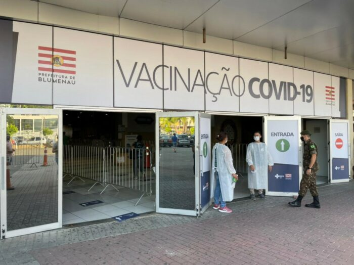 Central da Vacinação contra a Covid-19 em Blumenau - foto da PMB