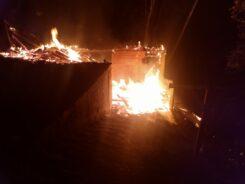 Incêndio em residência no bairro Garcia - foto do Corpo de Bombeiros