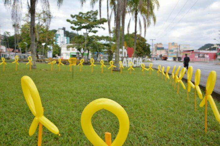 Balões pelo Maio Amarelo - foto de Michele Lamin