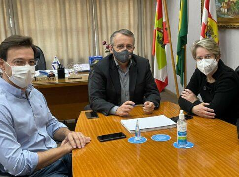 Sylvio Zimmermann, prefeito Mário Hildebrandt e vice-prefeita Maria Regina Soar