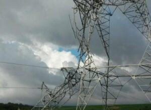 Tornado também destruiu instalações elétricas - foto Celesc