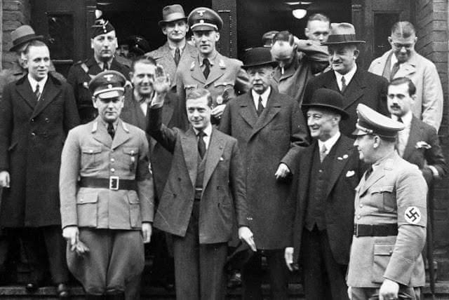 Em 11 de outubro de 1937 Rei Albert Frederick Arthur George (Rei George VIII) visita a Allemanha nazista