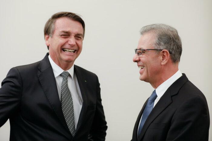 Presidente da República, Jair Bolsonaro e Ministro de Estado Minas e Energia, Almirante Bento Costa Lima Leite Albuquerque - fotode Isac Nóbrega/PR