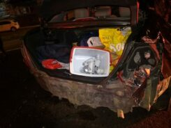 Veículo destruído após acidente na Via Expressa - foto da GMT
