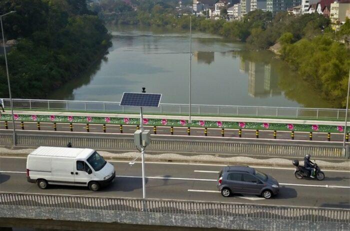 Novo sensor para medição do nível do rio - foto de Marcelo Martins